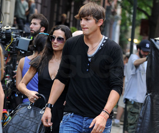 Photo Slide of Ashton Kutcher and Demi Moore on the NYC Set of The Beautiful Life
