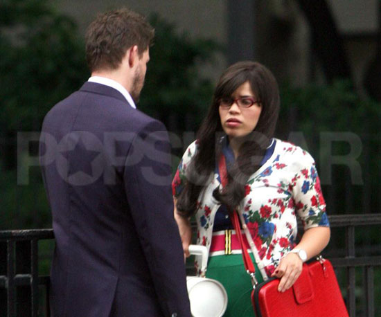 Photo Slide of America Ferrera And Eric Mabius Filming Ugly Betty