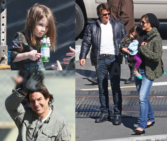 Photos of Tom Cruise, Katie Holmes and Suri Cruise on the Set of Wichita with Tom in Boston 2009-10-08 16:00:43