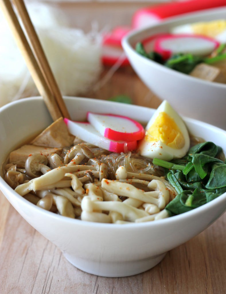 Miso Soup With Vermicelli, Mushrooms, and Tofu