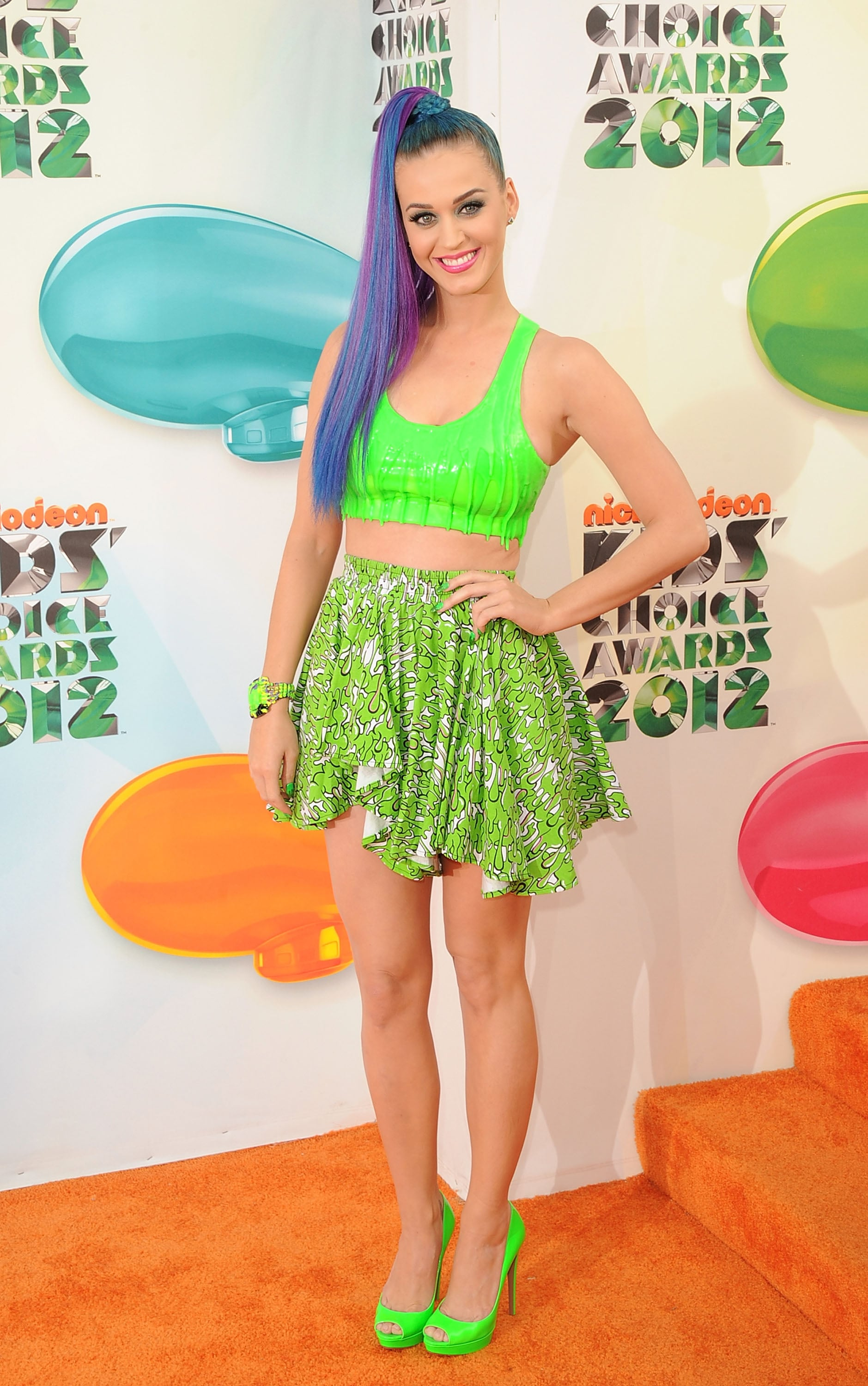 She gave a glimpse of her abs at the Kids' Choice Awards in LA in March 2012.
