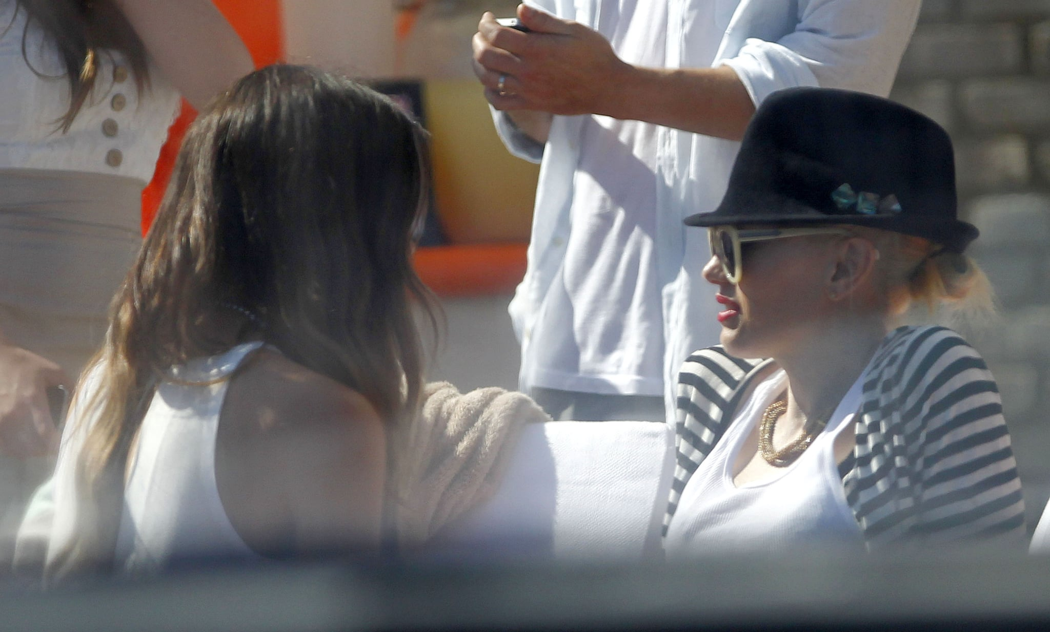 Kate Beckinsale and Gwen Stefani spent time together at a Memorial Day party at Joel Silver's house in LA.