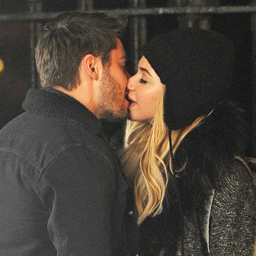 Zac Efron Kisses Imogen Poots in NYC | Pictures