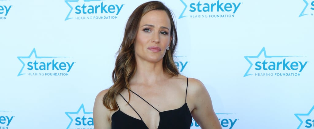 Jennifer Garner Looks Absolutely Radiant While Being Honoured For Her Philanthropic Efforts