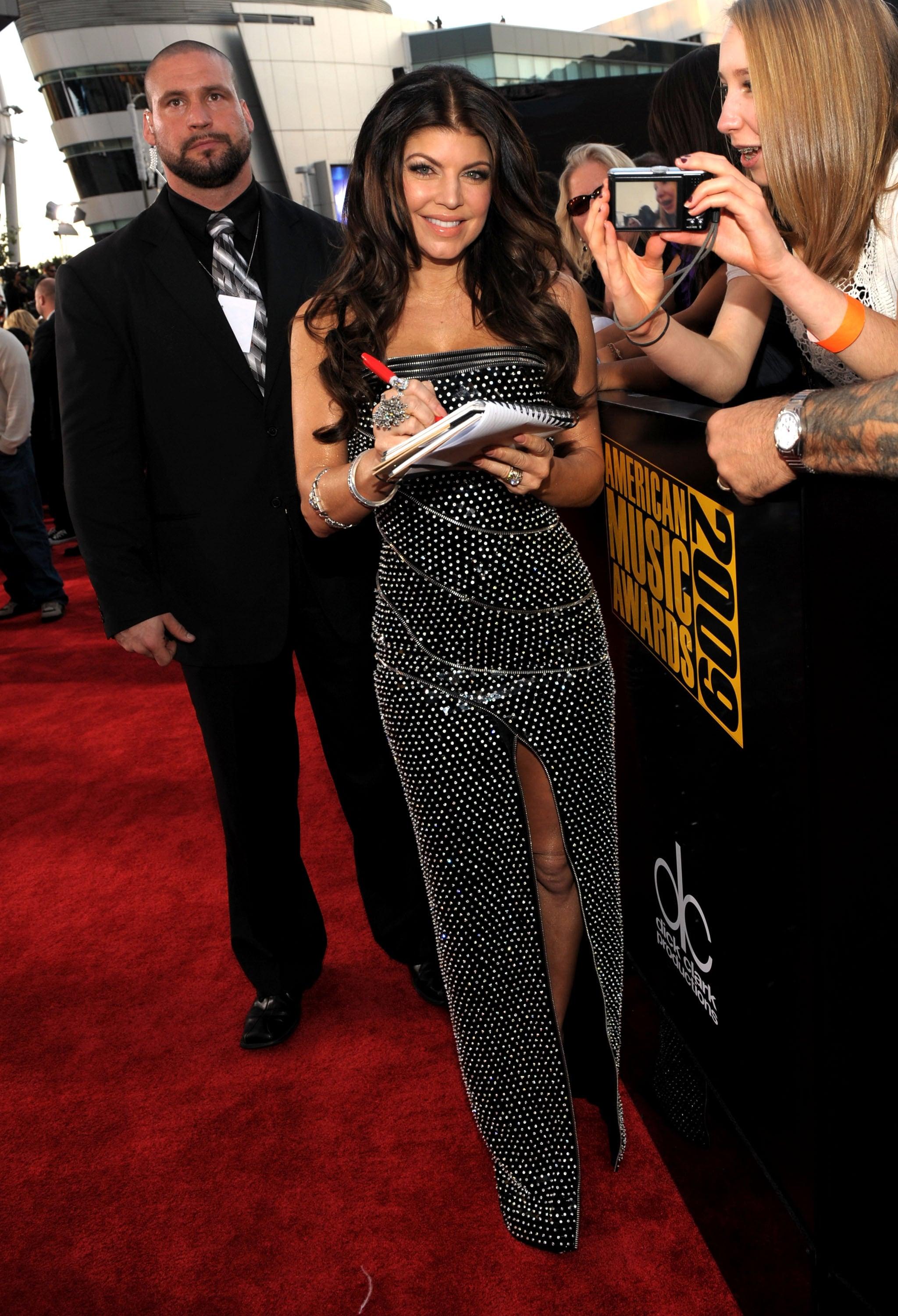 American Music Awards Ladies Red Carpet Gallery