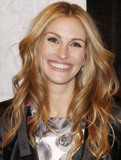 Julia Roberts Is the New Face of Lancome 2009-12-04 10:03:34