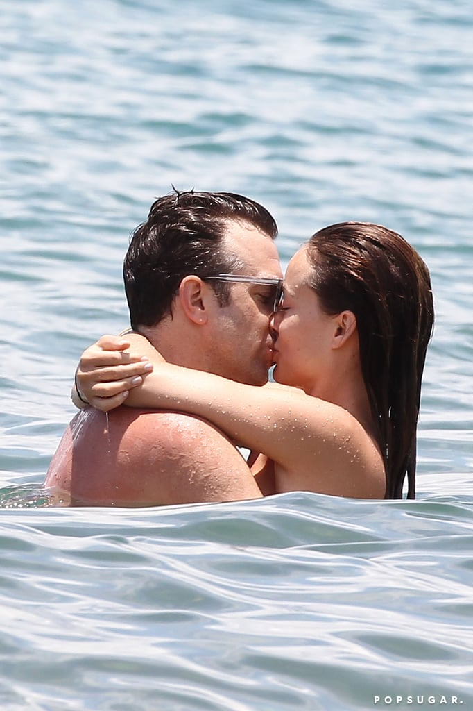 During a romantic Hawaiian getaway in May 2013, Olivia Wilde and Jason Sudeikis hugged and kissed in the ocean.