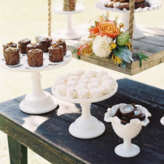 Wedding dessert table ideas popsugar food - Desserte table cuisine ...