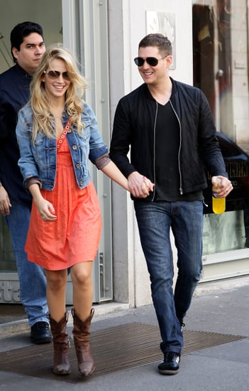 Lusiana-Lopilato-Michael-Bublé-held-hands-while-out-Milan