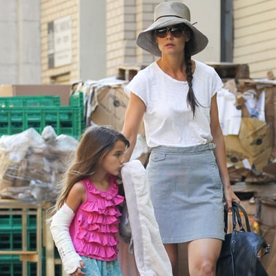 Suri Cruise's Arm Cast Pictures