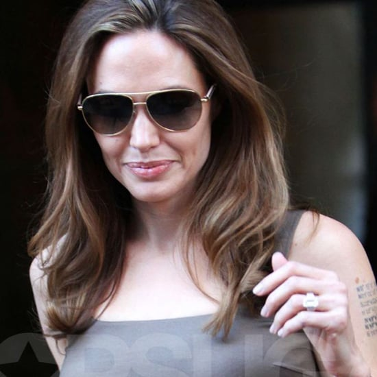 Angelina Jolie Engagement Ring Details (Video)