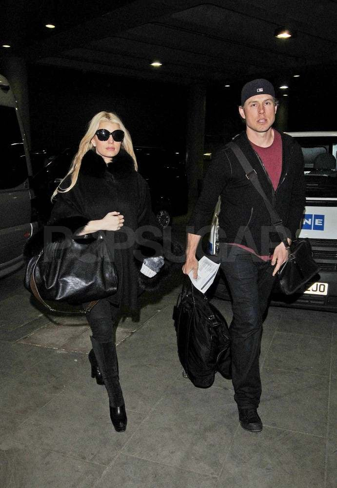 Jessica Simpson and Eric Johnson's Travels Are on the Right Track to Paris