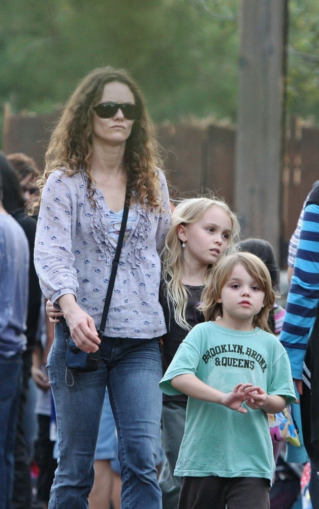 Vanessa Paradis took Lily Rose and Jack to the amusement park in 2008, sans their Disney-employed daddy, Johnny Depp.