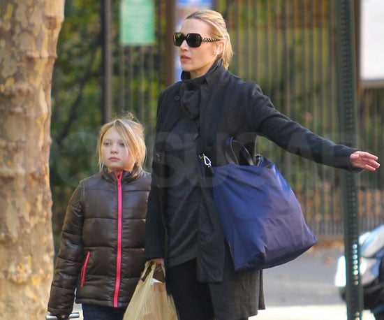 Slide Picture of Kate Winslet and Mia in NYC