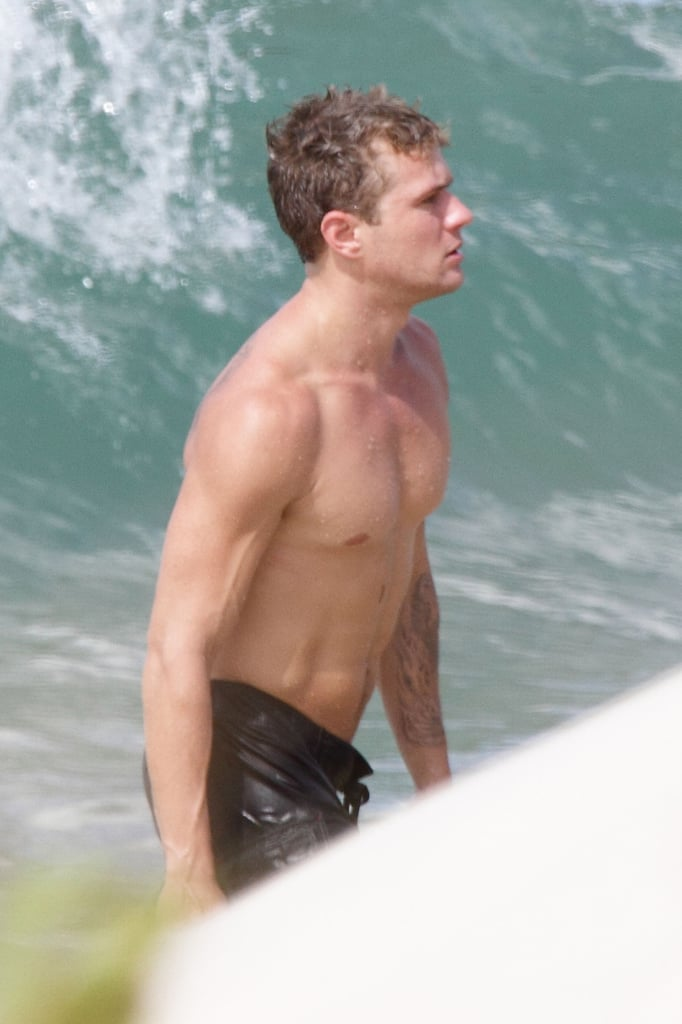 Pictures of Ryan Phillippe Shirtless