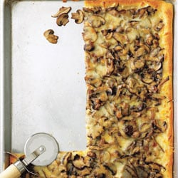Today's Special: Mushroom and Garlic Pizza