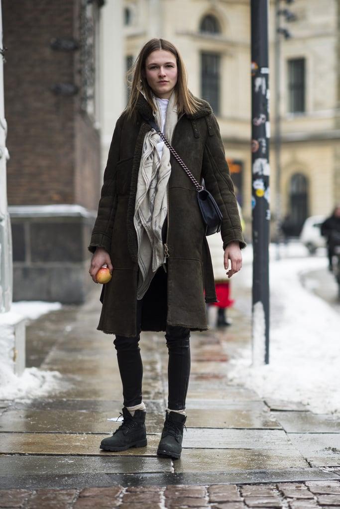 Dress up your shearling with a crossbody bag. Source: Le 21ème | Adam Katz Sinding