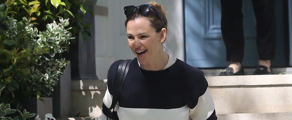 Jennifer Garner Brightens Up London With Her Happy Outing