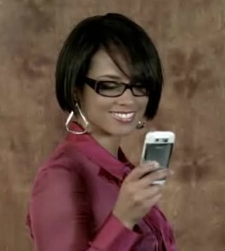 Alicia Keys Shows Off a Nokia E71 in Superwoman Vid