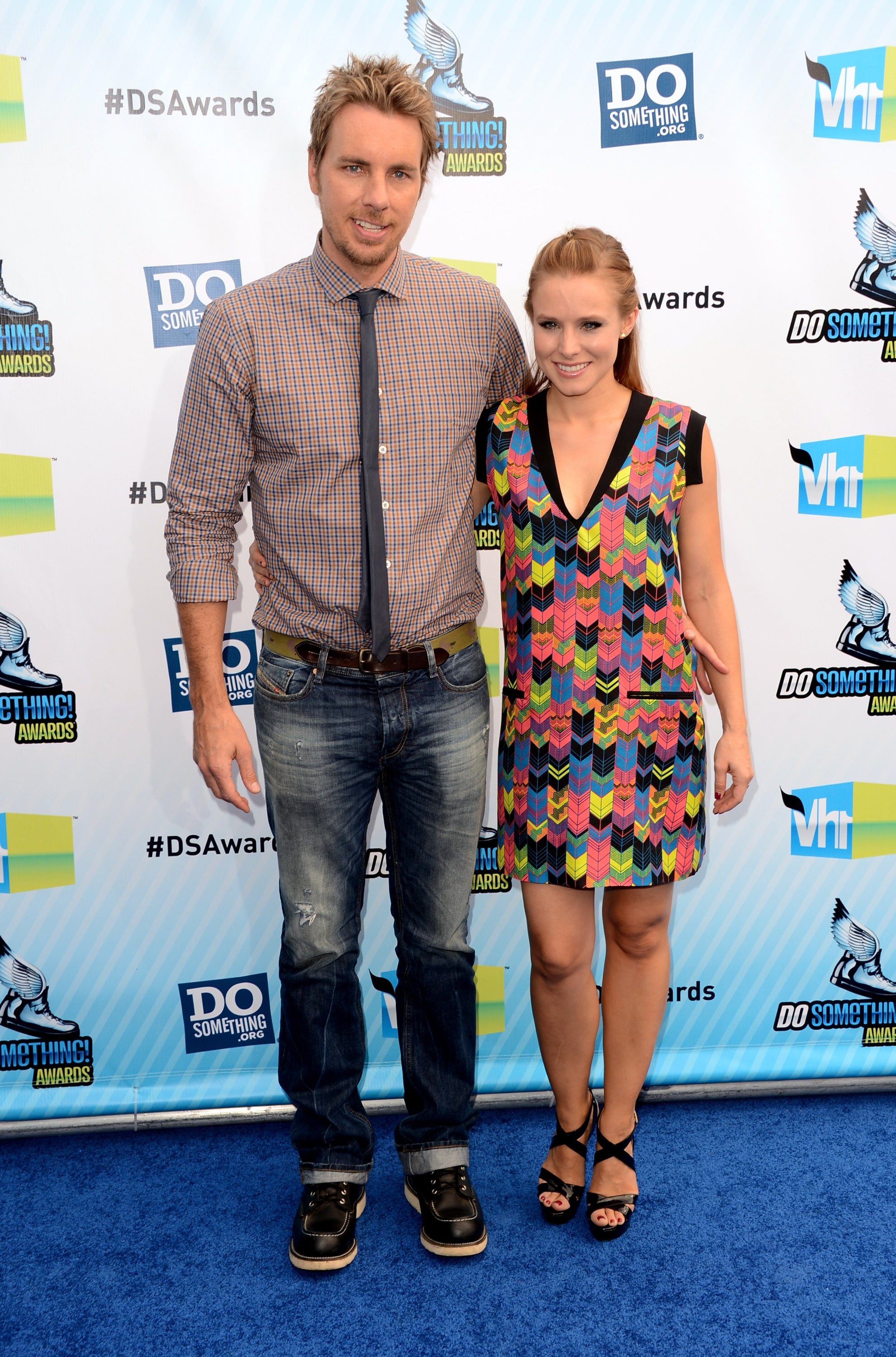 Dax Shepard and Kristen Bell posed together on the blue carpet.