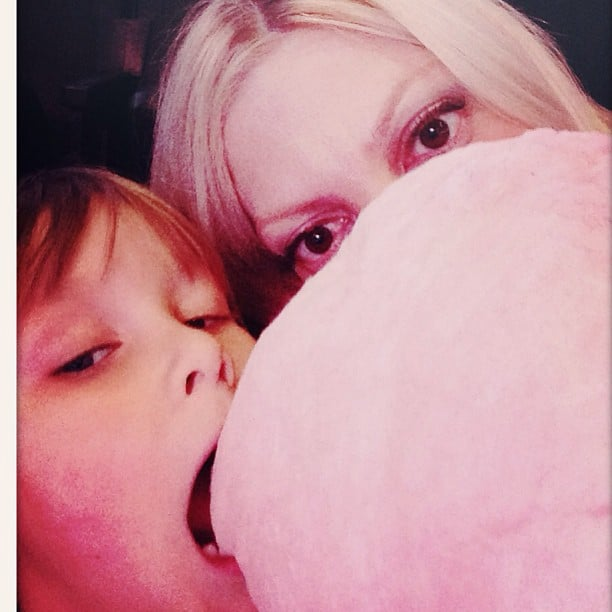 Liam McDermott and Tori Spelling shared some cotton candy at the LA Kings game. Source: Instagram user torianddean