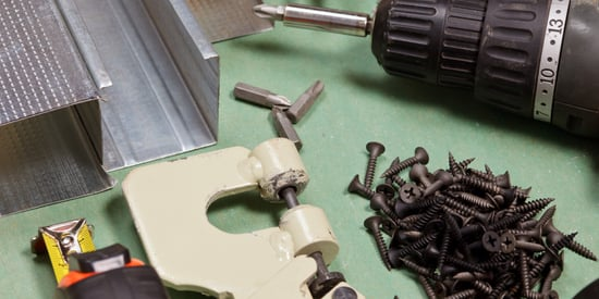 The DIY Toolbox: 5 Essential Tools for the Weekend DIYer