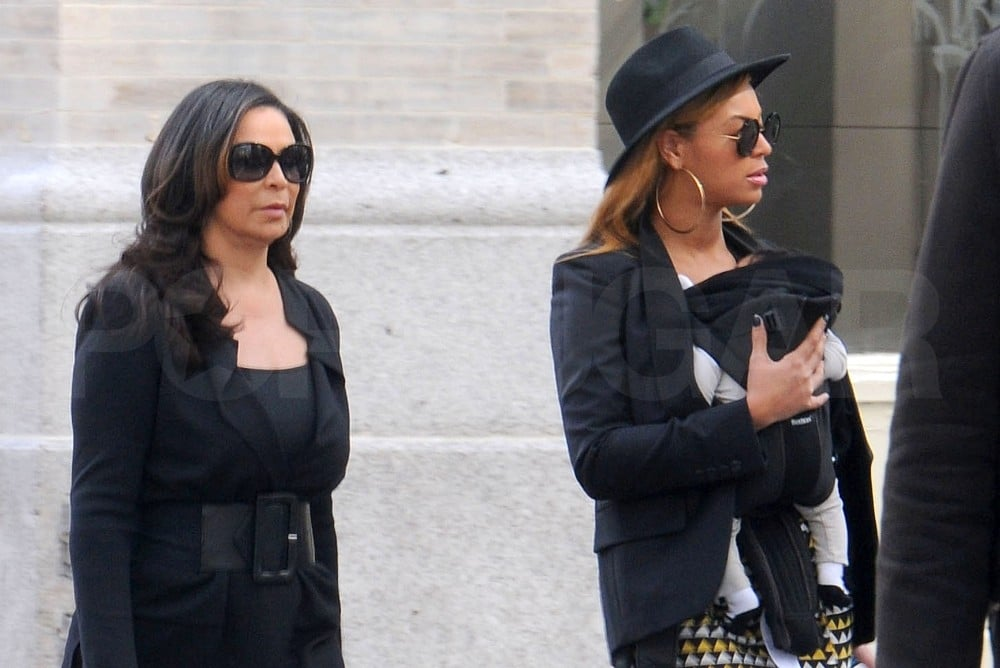 Beyoncé Knowles and daughter Blue Ivy Carter hung out with Tina Knowles.