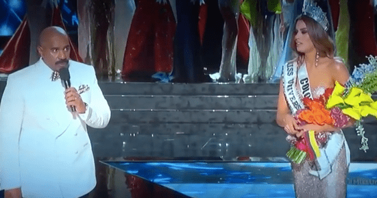 Steve Harvey Crowns The Wrong Miss Universe In Awkward Live TV Gaffe