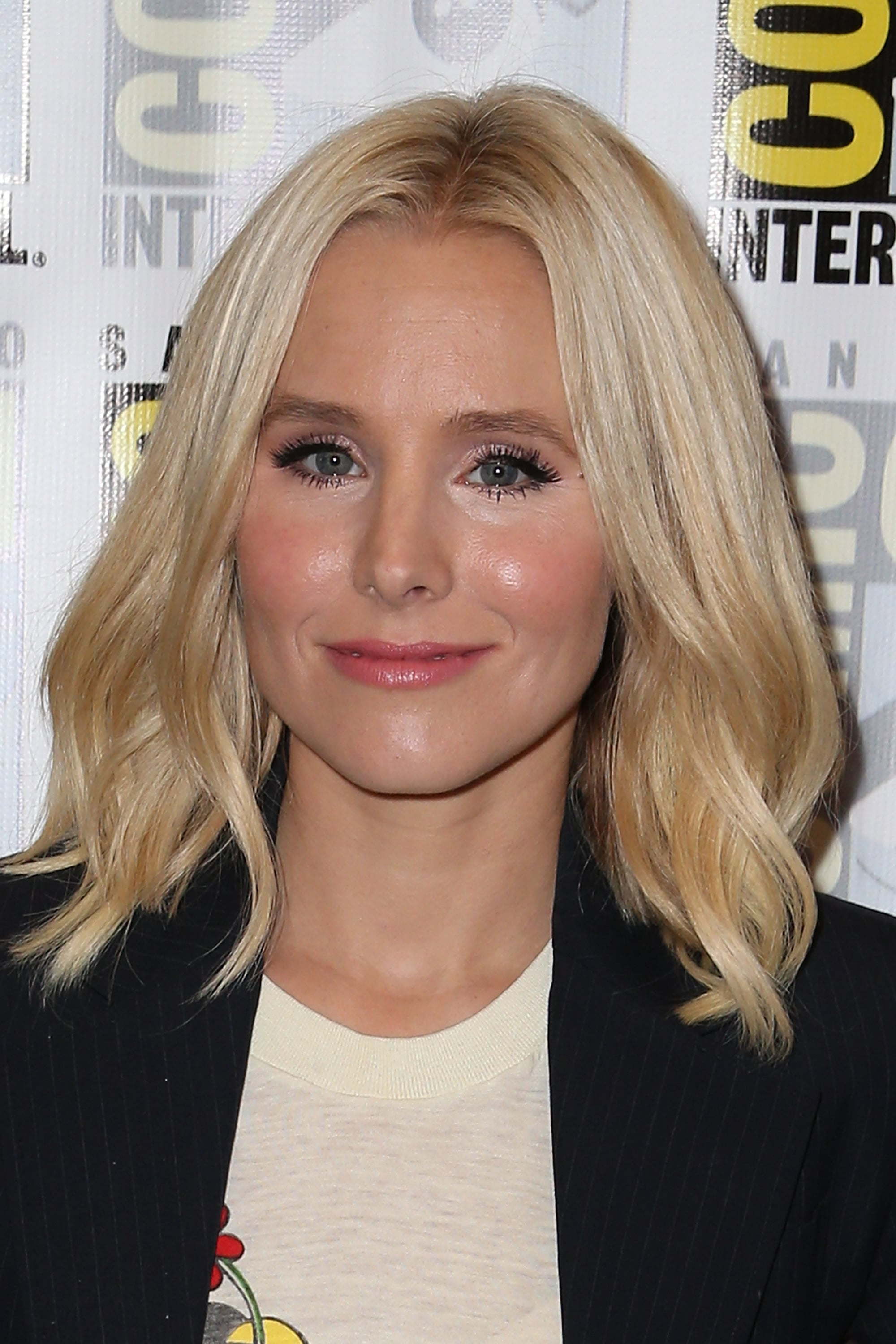Kristen Bell on Having a Lob, Being a Mom, and Loving