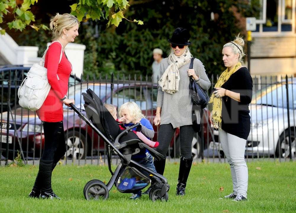 Zuma Rossdale talked to a baby with mom Gwen Stefani looking on.
