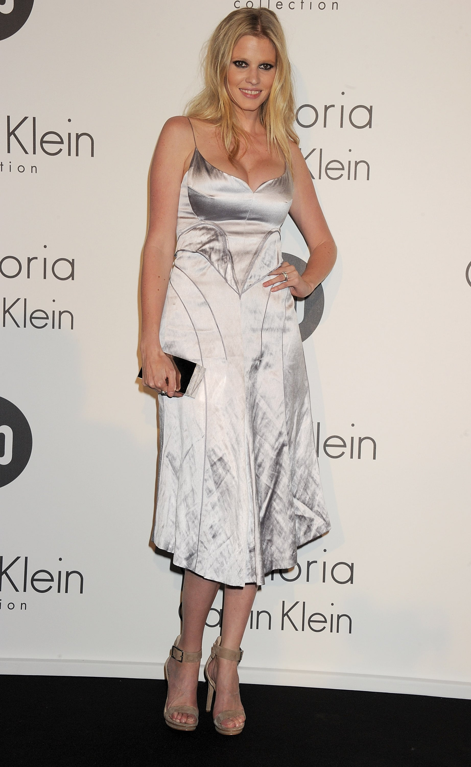 lara stone calvin klein dress - photo #9
