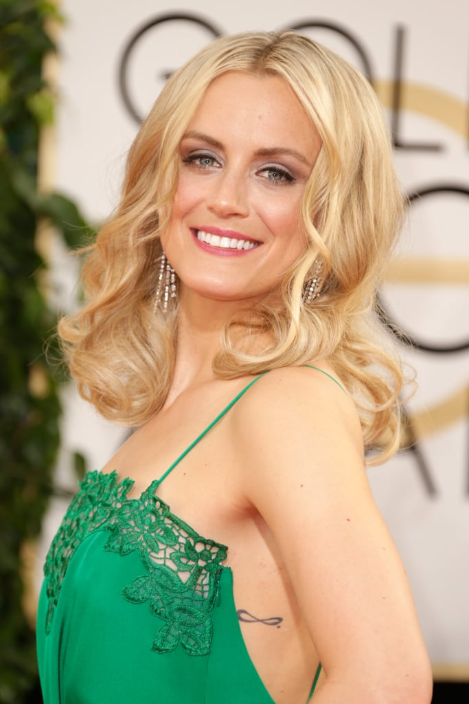 Taylor Schilling gave us a glimpse of sparkle with a pair of chandelier earrings.