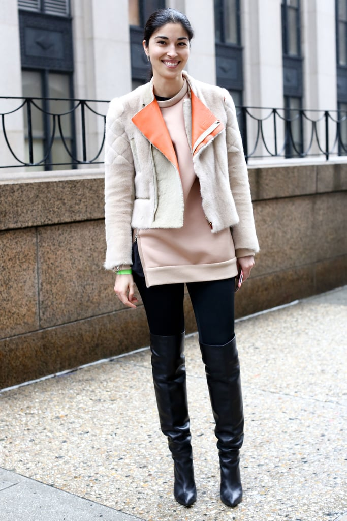 Caroline Issa mixed soft pastels and basic black for high impact.