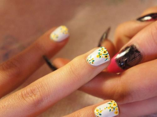 This Oscar de la Renta manicure is top of our nail wish list.