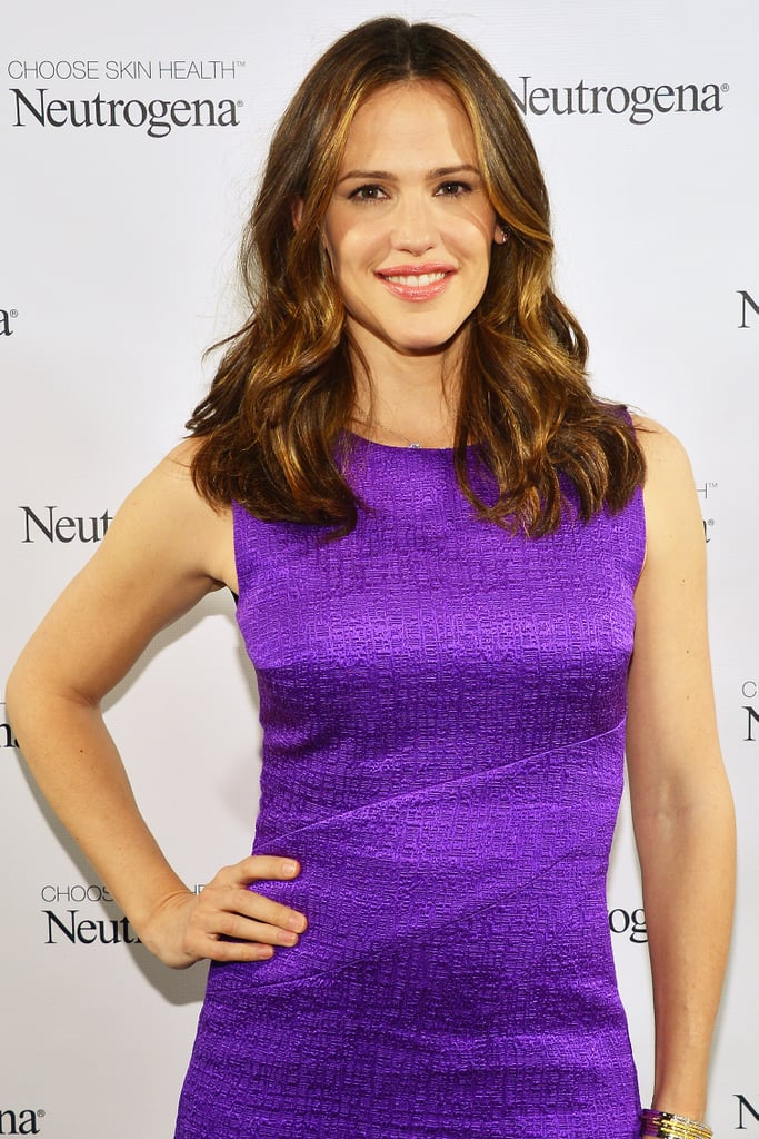 Jennifer Garner may star in Draft Day, a sports dramedy starring Kevin Costner.