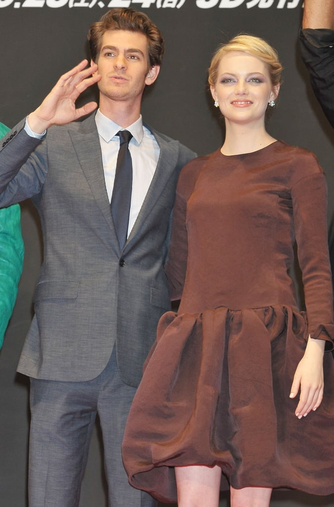 Andrew Garfield and Emma Stone posed together at The Amazing Spider-Man premiere in Japan.