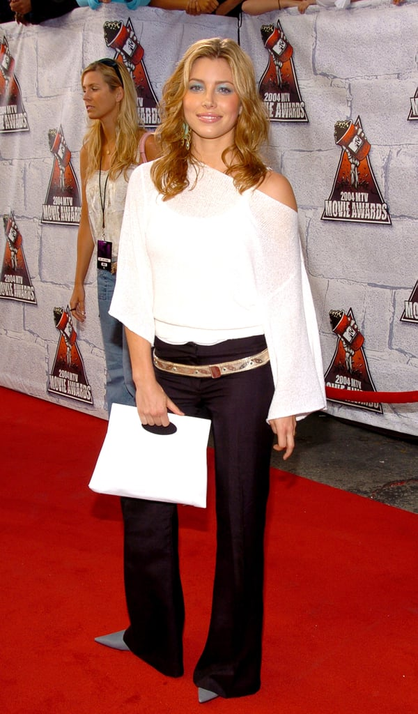 Jessica Biel sported some blue eye shadow and an off-the-shoulder top on the red carpet for the 2004 show.