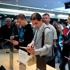 iPad 2 Launch Stores