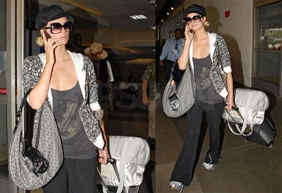 Photos of Paris Hilton Arriving at LAX 2008-08-14 14:30:00