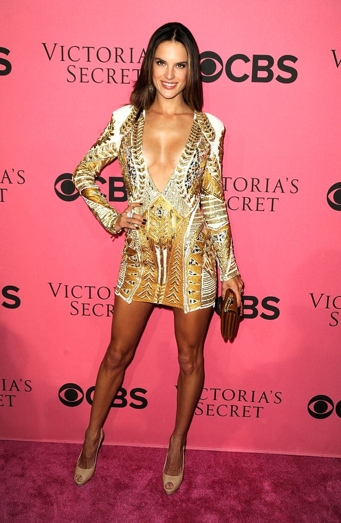 Alessandra Ambrosio smiled on the pink carpet.