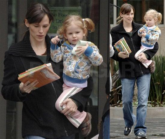 Jennifer Garner and Violet Affleck at the Library