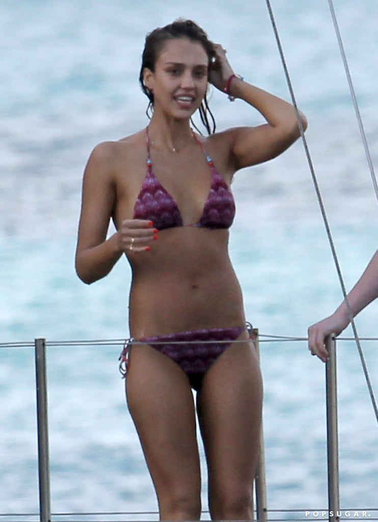 Jessica Alba chatted with friends on a barge.