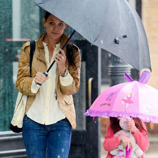 Katie Holmes and Suri Cruise Walking in Rain Pictures