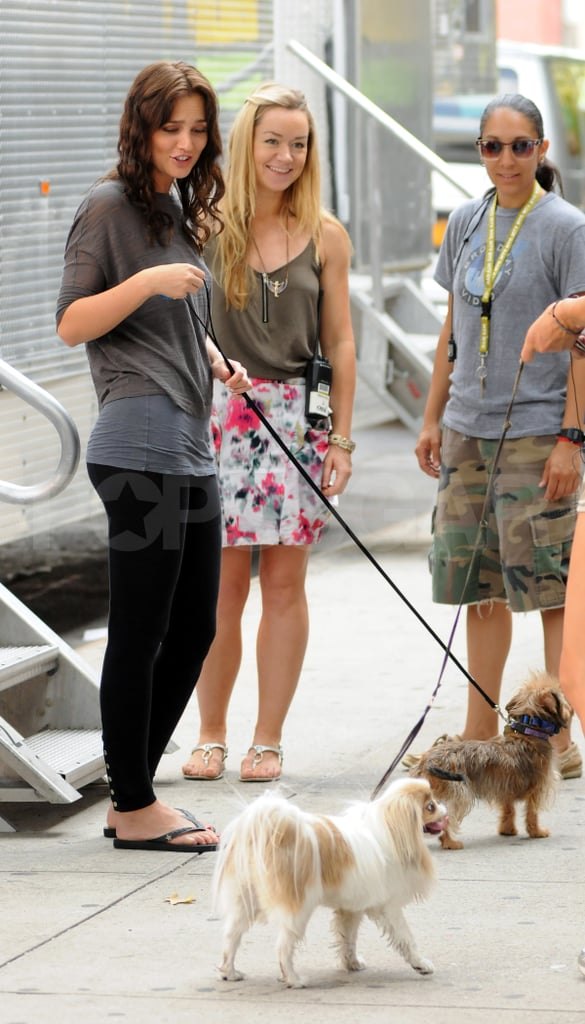 Leighton Meester with her dog on the Gossip Girl set.