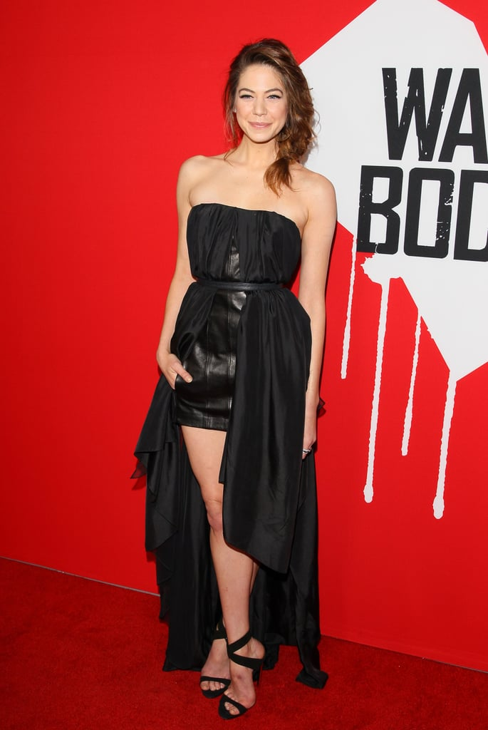 Analeigh Tipton showed a bit of leg at the premiere.