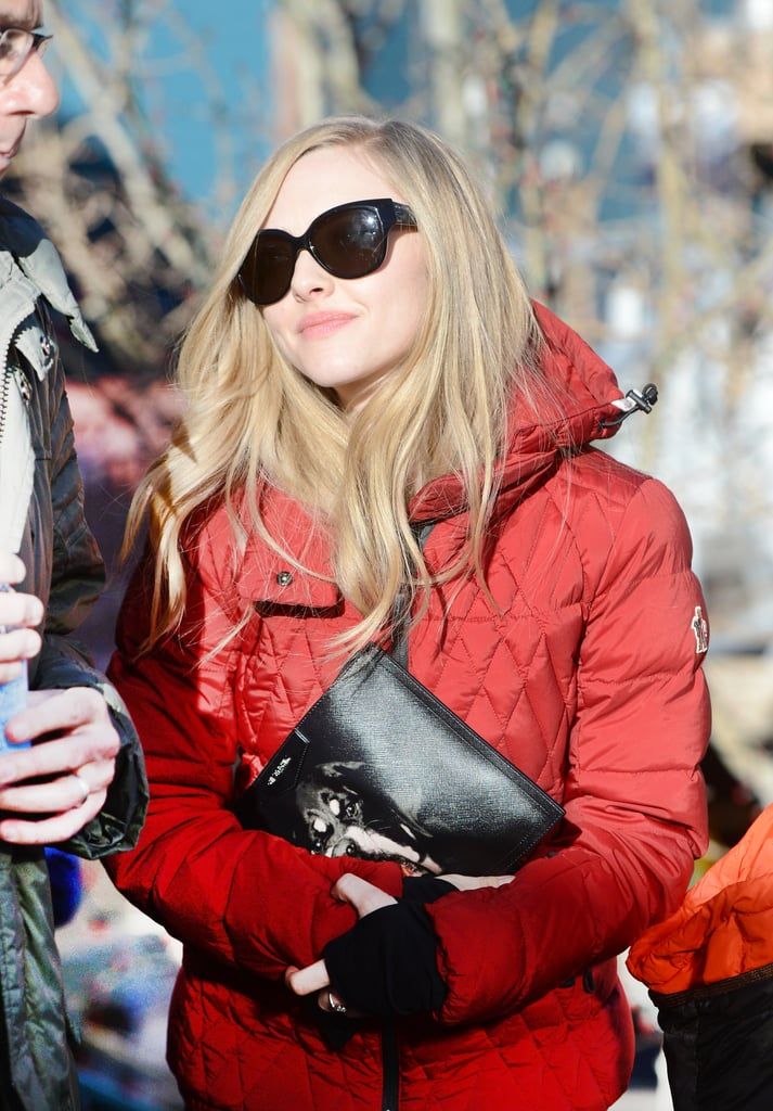 Amanda Seyfried's red quilted puffer coat was perfect for a stylish day on the slopes.