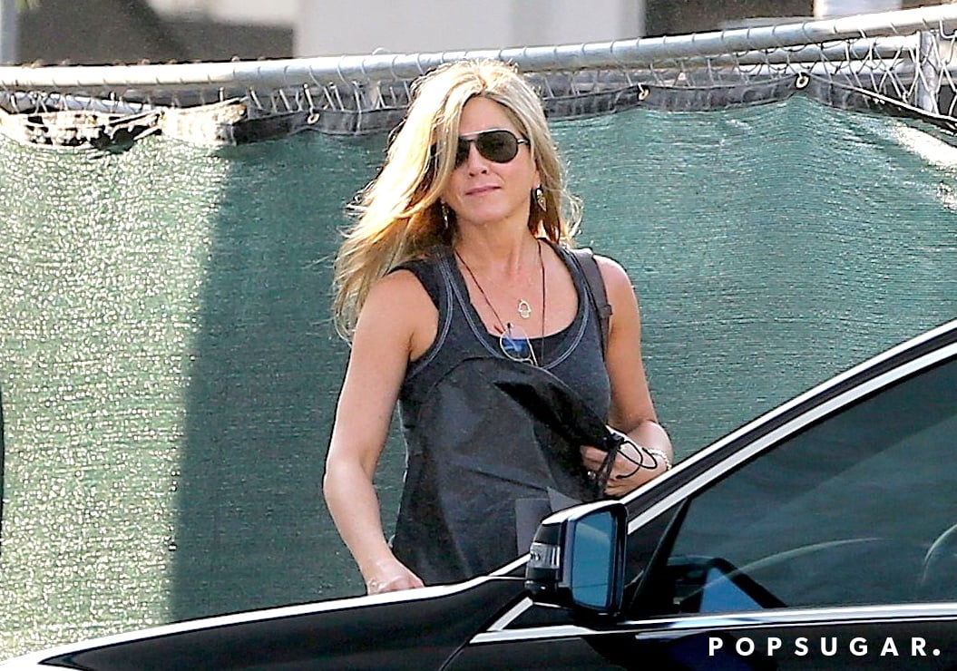 Jennifer Aniston wore aviator sunglasses.