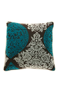 Throw Pillows: Accessorize Your Pad