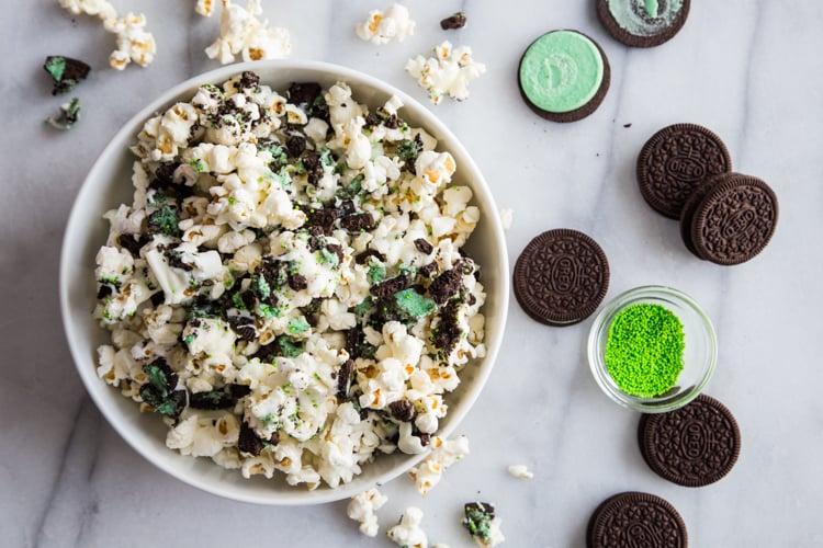Mint Cookies and Cream Popcorn