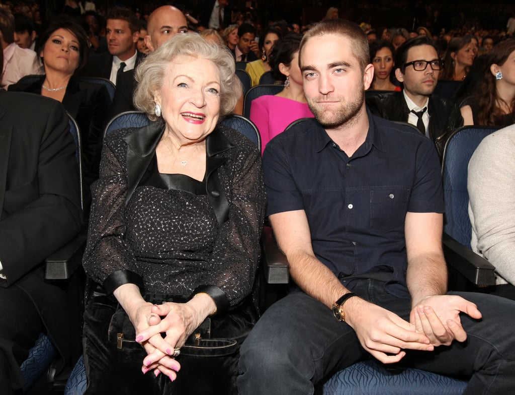 Robert Pattinson and Betty White had adorable small talk before the People's Choice Awards.
